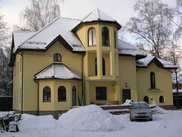 Дом двухэтажный фото зима